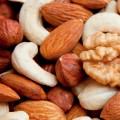 Насколько полезны орехи